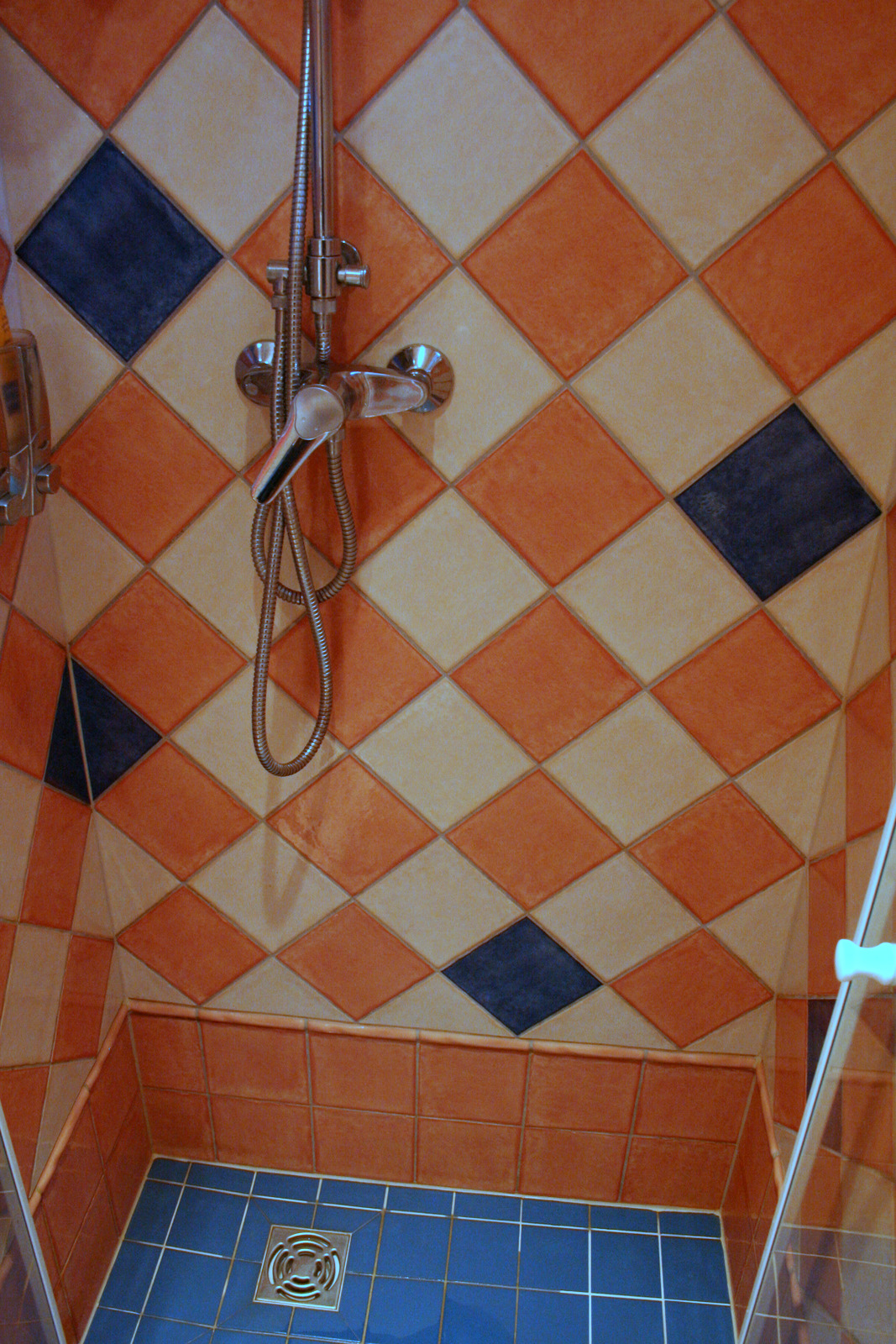 carrelage salle de bains en haute savoie carreleur sur annemasse lucinges bonne douche l 39 italien. Black Bedroom Furniture Sets. Home Design Ideas